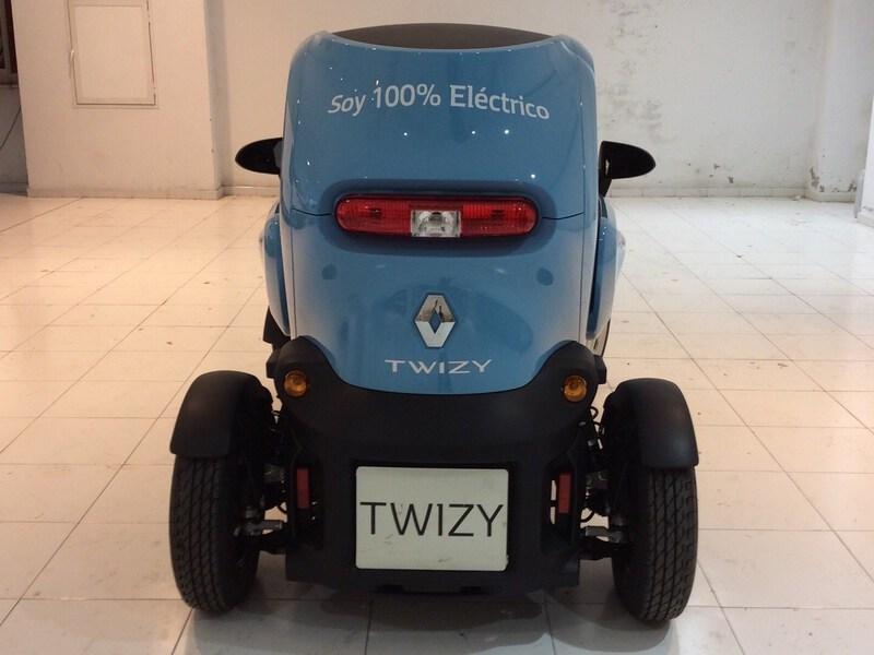 Inside Twizy  Azul Caribe