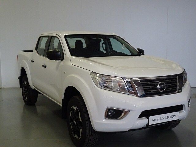 Outside NP300 Navara Diesel  Blanco Iceberg