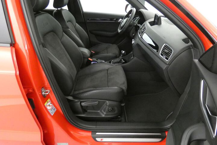 Inside Q3 Diesel  Rojo Misano Efecto P