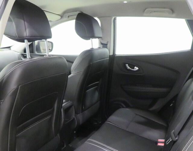 Inside Kadjar Diesel  Beige Duna