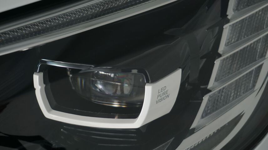 Outside Grand Scénic Diesel  Blanco
