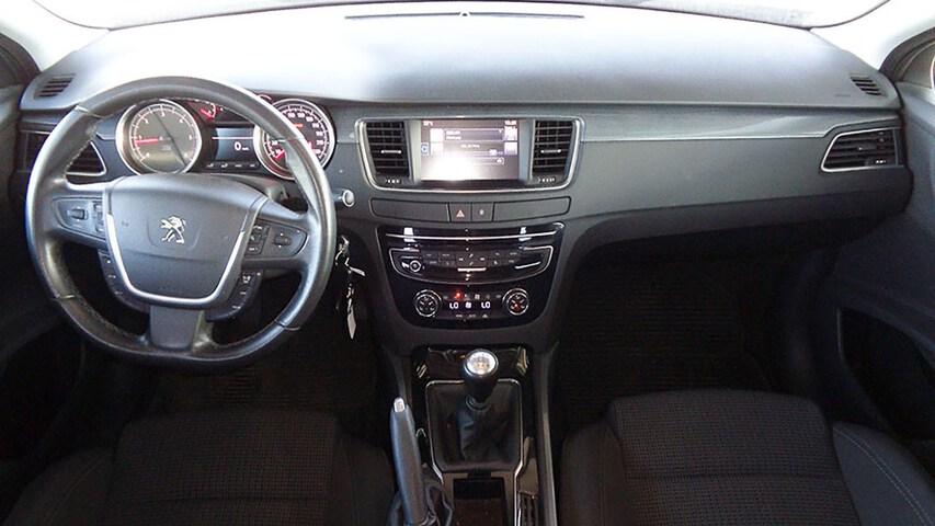 Inside 508 Diesel  Gris Shark