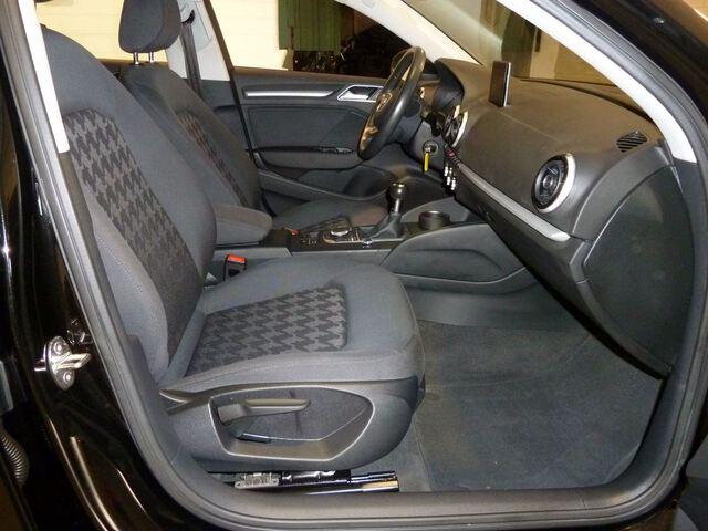 Inside A3 Sedán Diesel  Negro
