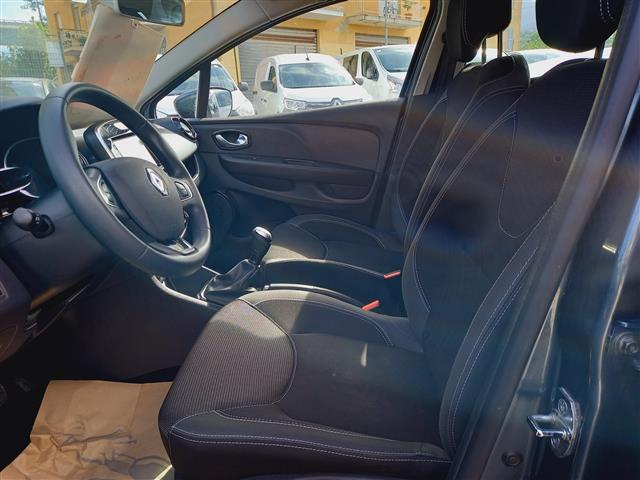 RENAULT Clio Sporter 00611087_VO38053733