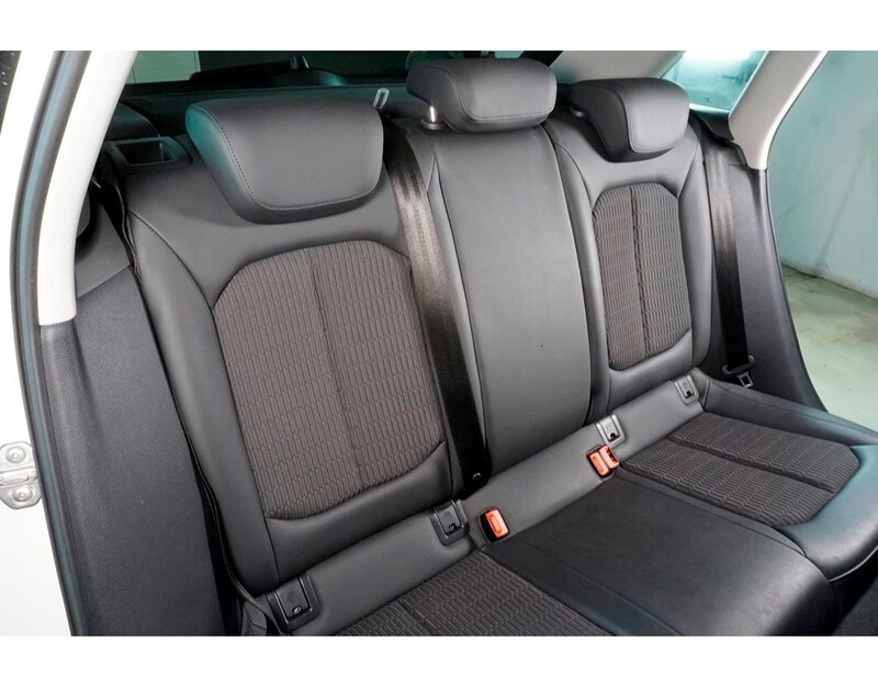 Inside A3 Sportback Diesel  Blanco Amalfi