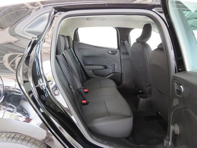Inside Clio  Negro Brillante