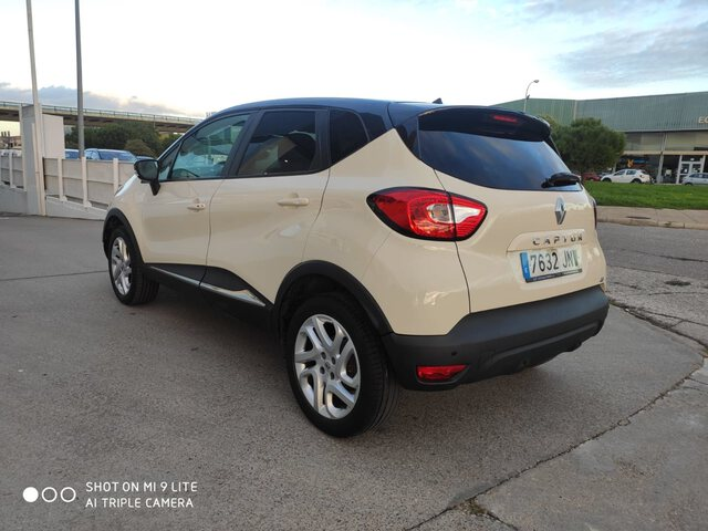 Outside Captur Diesel  Beige Ceniza