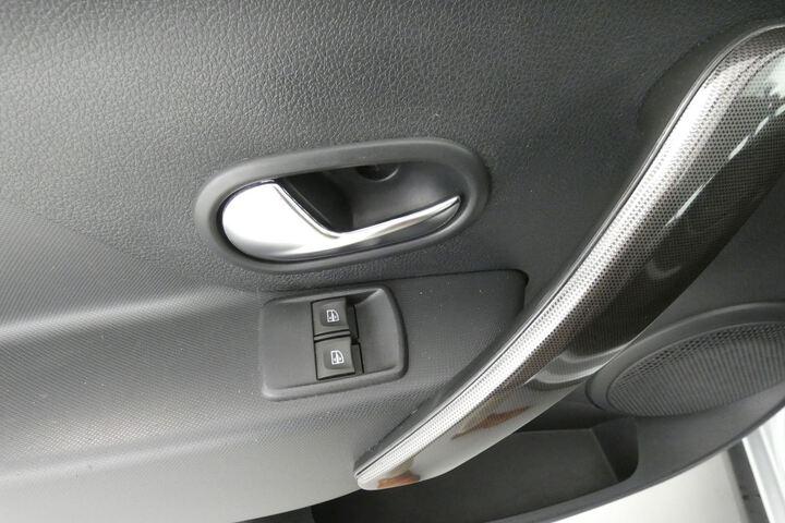 Inside Sandero Diesel  Gris Islandia