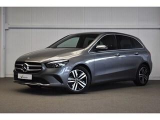 Mercedes-Benz - B 180