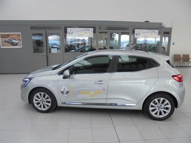 Clio  zilver