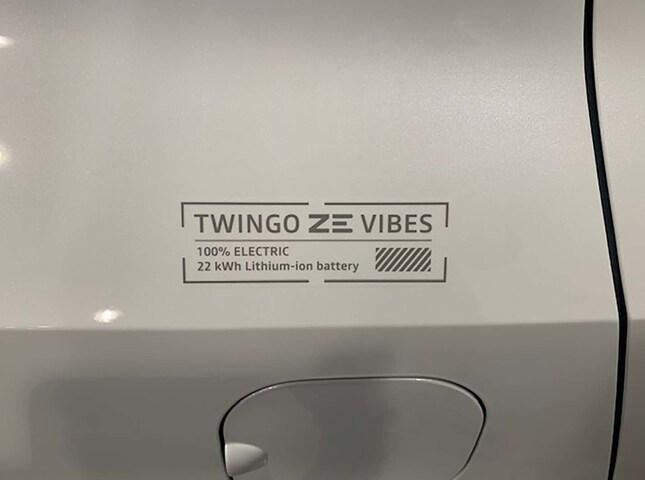 Outside  TWINGO Electric  Blanco Quartz