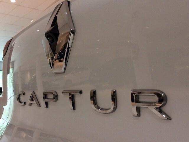Inside CAPTUR  Carrocería Blanco N