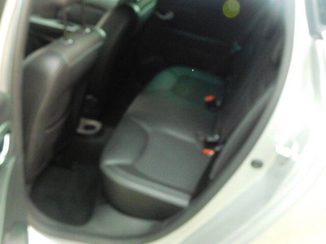 Inside Clio  GRIS CLARO