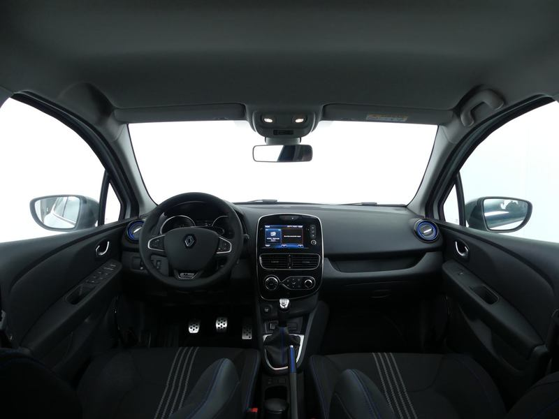 Inside Clio  Blanco Nacarado