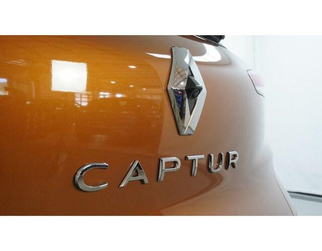 Outside Captur Diesel  Naranja Atakama con