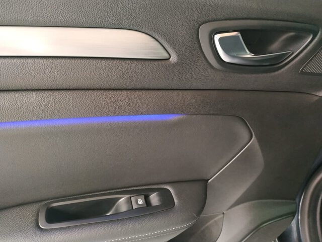 Inside Mégane Sport Tourer Diesel  Gris Titanio