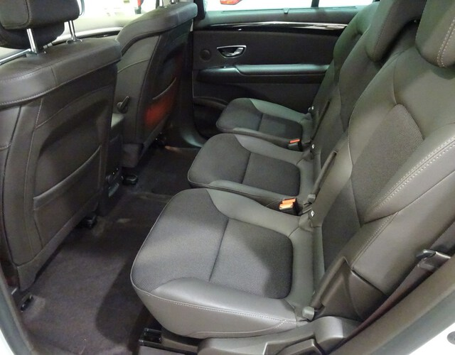 Inside Espace Diesel  Blanco Nacarado
