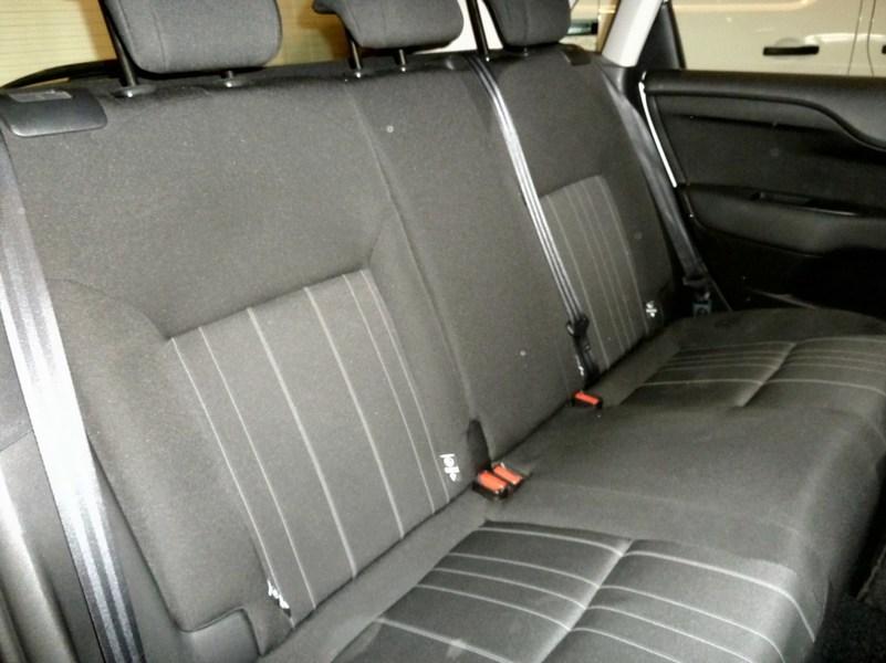 Inside C4 Diesel  Blanco Banquise