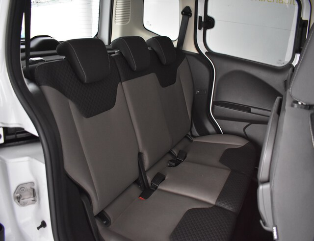 Inside Tourneo Connect Combi Diesel  BLANCO