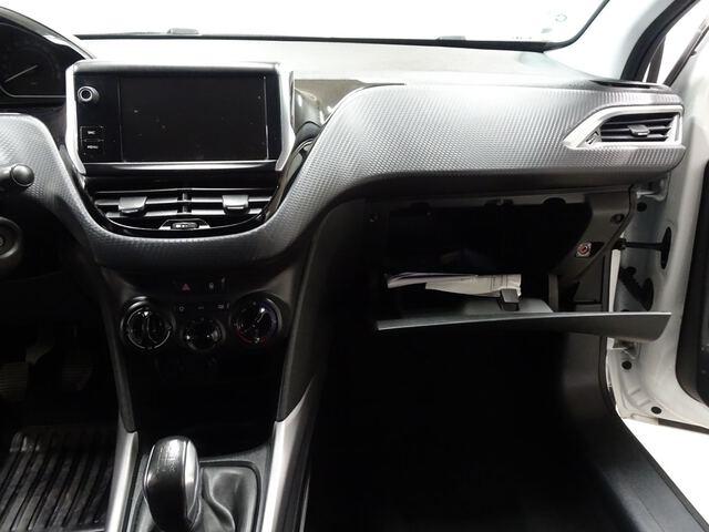 Inside 2008 Diesel  Blanco Banquise