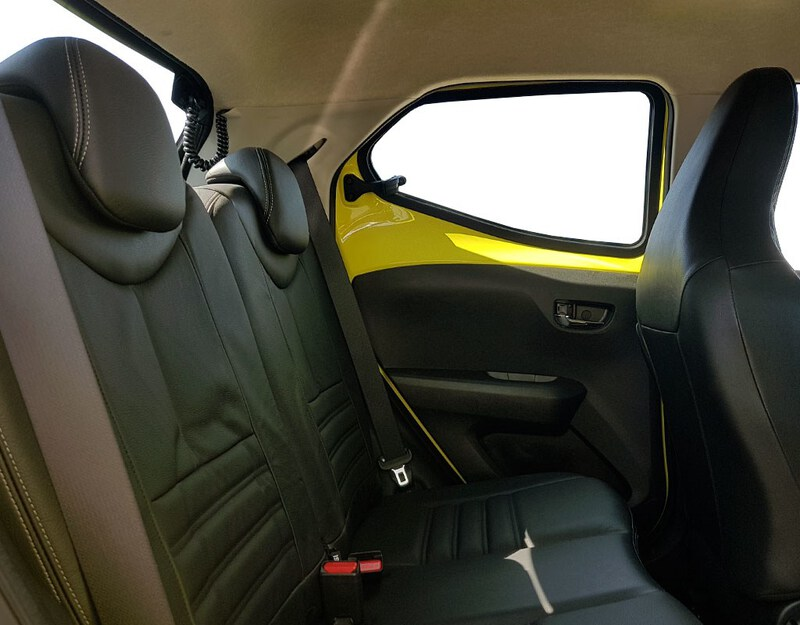 Inside Aygo  x-naranja