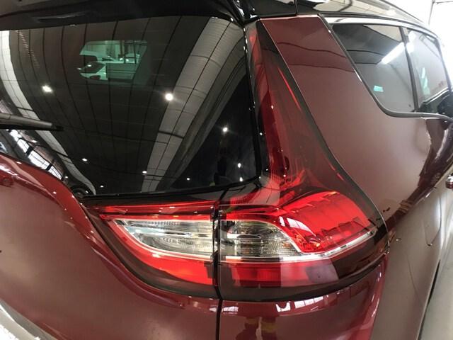 Inside Grand Scénic Diesel  Rojo Carmín con tec