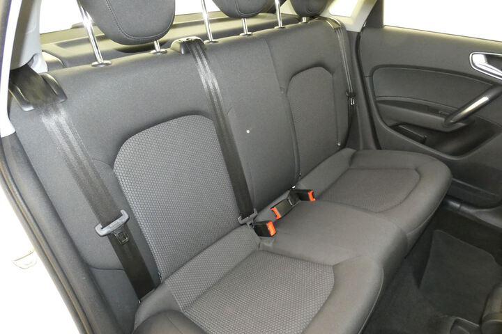 Inside A1 Sportback  Blanco Curtain