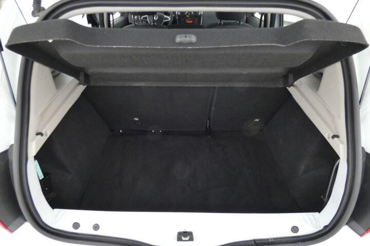 Inside Sandero Diesel  Blanco Glaciar