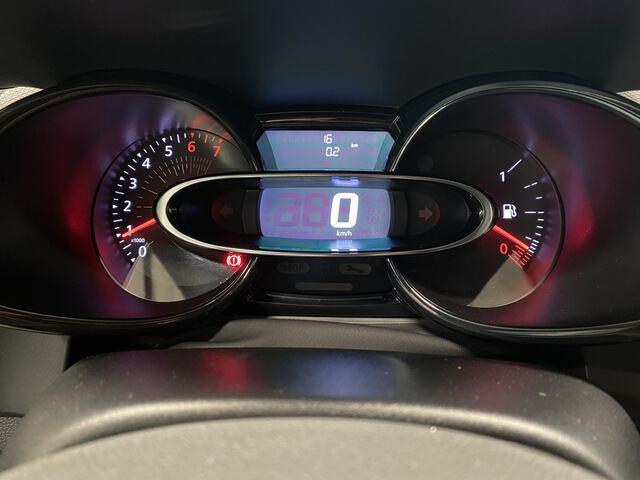 Inside Clio Societé Gasolina/Gas  Blanco