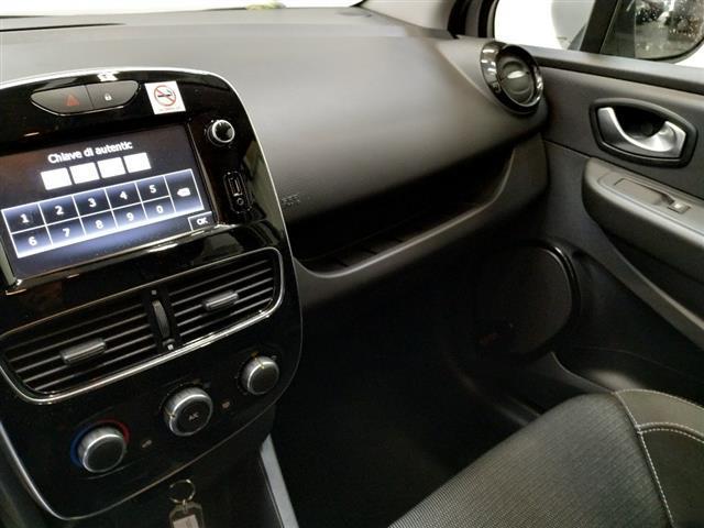 RENAULT Clio Sporter 00411633_VO38013054