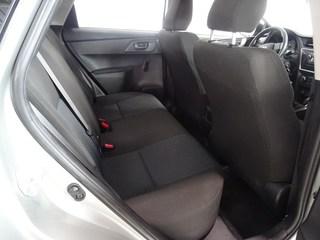 Inside Auris Diesel  Gris Plomo