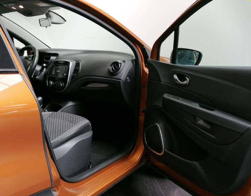 Inside Captur  Naranja Atakama
