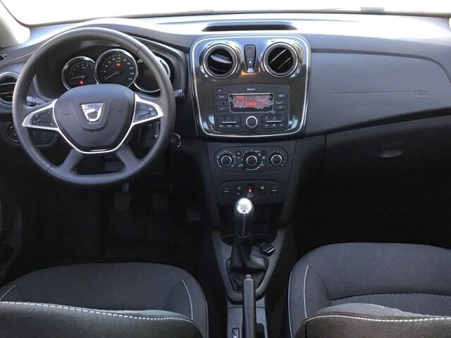 Inside Logan Diesel  Gris