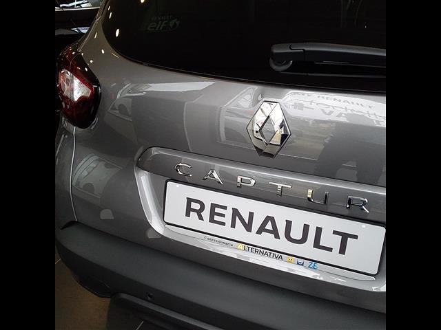 RENAULT Captur 00061744_VO38013404