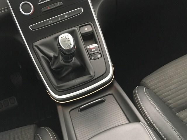 Inside Grand Scénic Híbrido Diesel  Blanco Nacarado/Tech