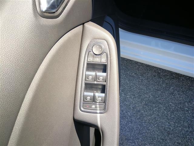 Esterni Clio V 2019 Pastello Bianco